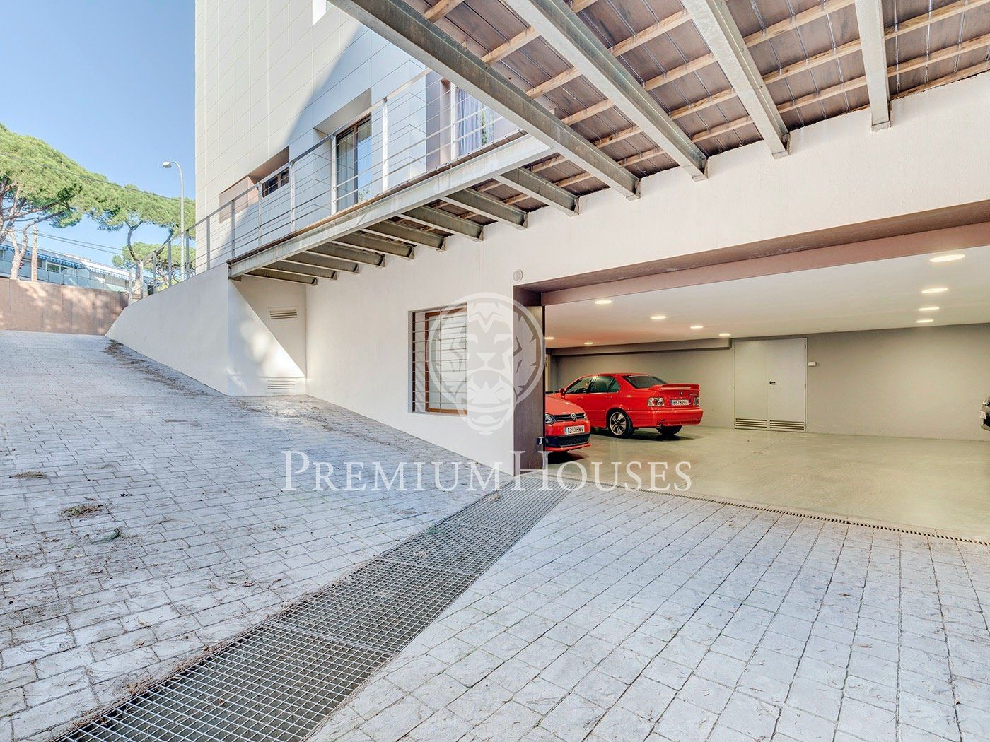 Modern design house for sale in Castelldefels Beach