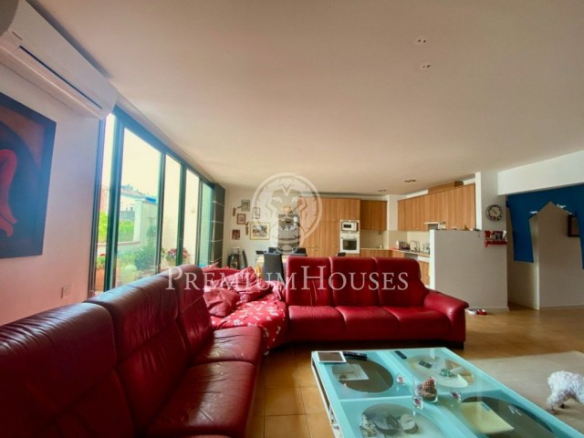 Huge duplex penthouse for sale in the center of Sitges