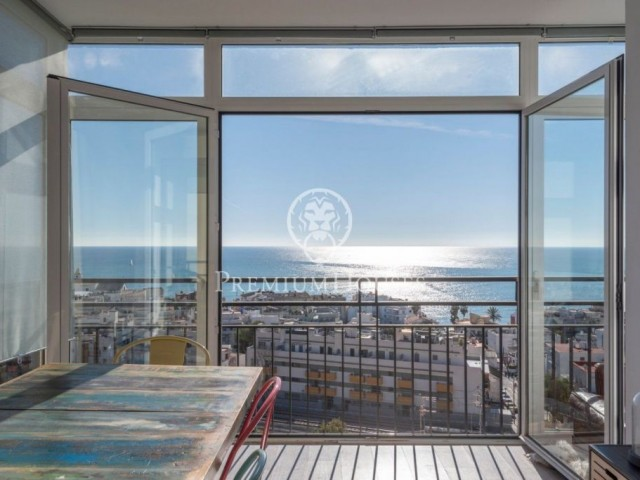 Penthouse for sale with panoramic views over the sea in Sitges