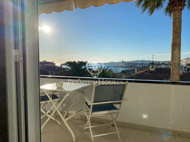 Apartment with spectacular views and tourist license for sale in Aiguadolç, Sitges