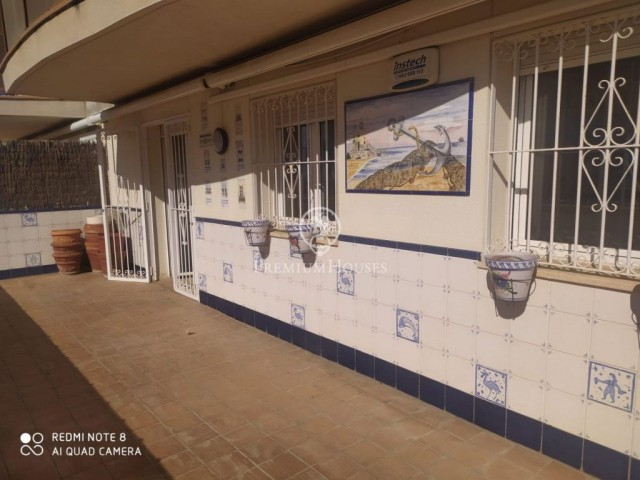 Nice ground floor with large terrace for sale in Sitges