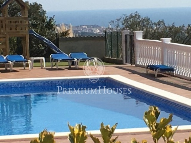 Fantastic Rural Country house with Tourist license and with private pool (Villa Mar y Montaña)