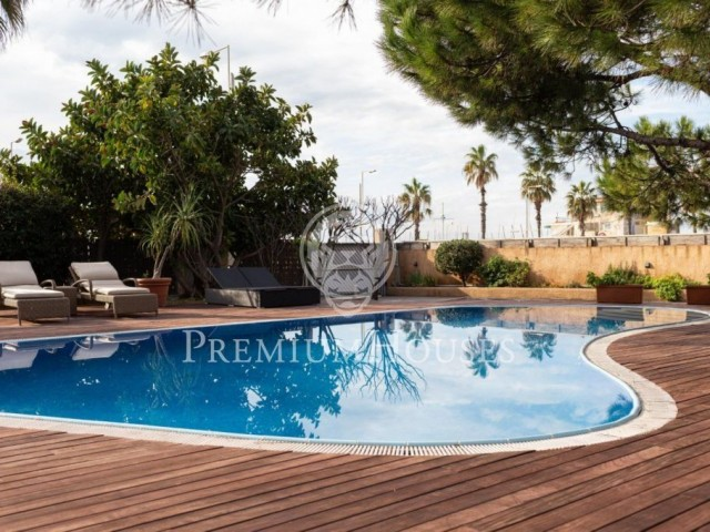 House for sale on the seafront of Castelldefels Barcelona